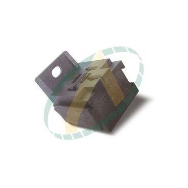 Connecteur embase pour relais auto